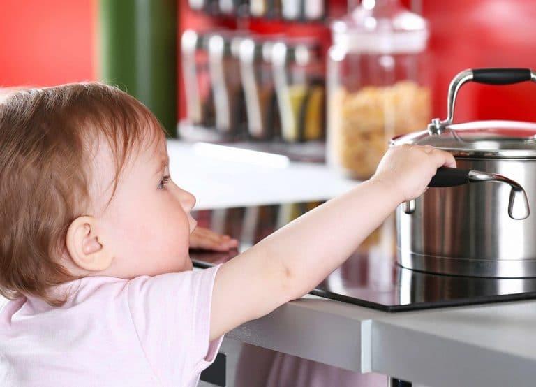Bebekli Evde Alınması Gereken 8 Önlem Nedir? Nelere Dikkat Edilmeli?