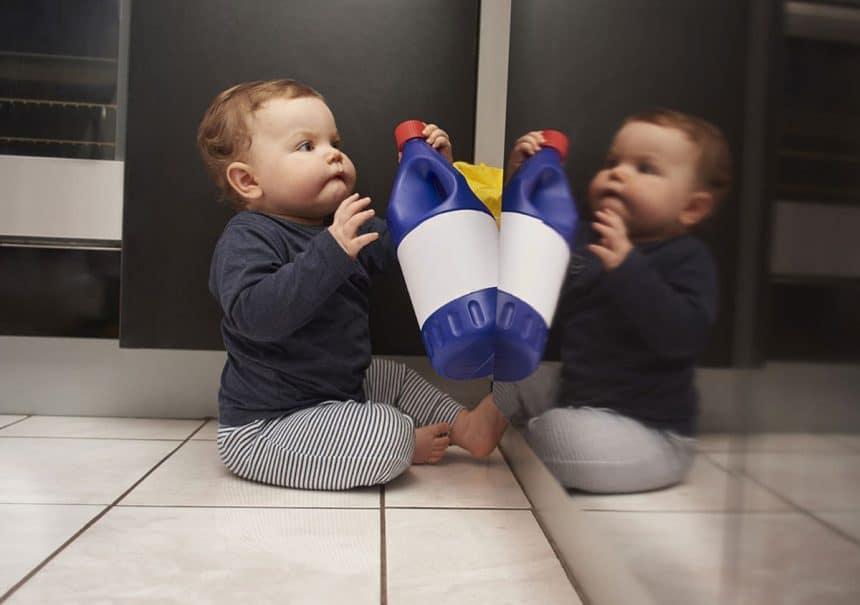 Evde Temizlik Yaparken Bebeğiniz İçin Almanız Gereken 6 Önlem!