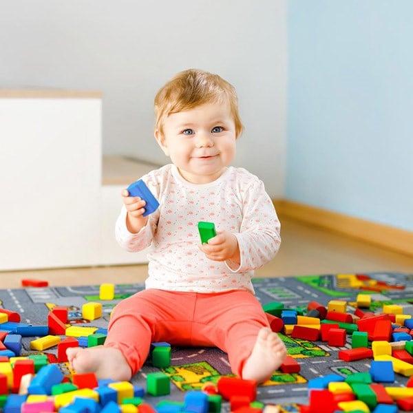 Bebeklerde El Becerilerini Geliştiren Oyuncaklar ve Etkinlikler