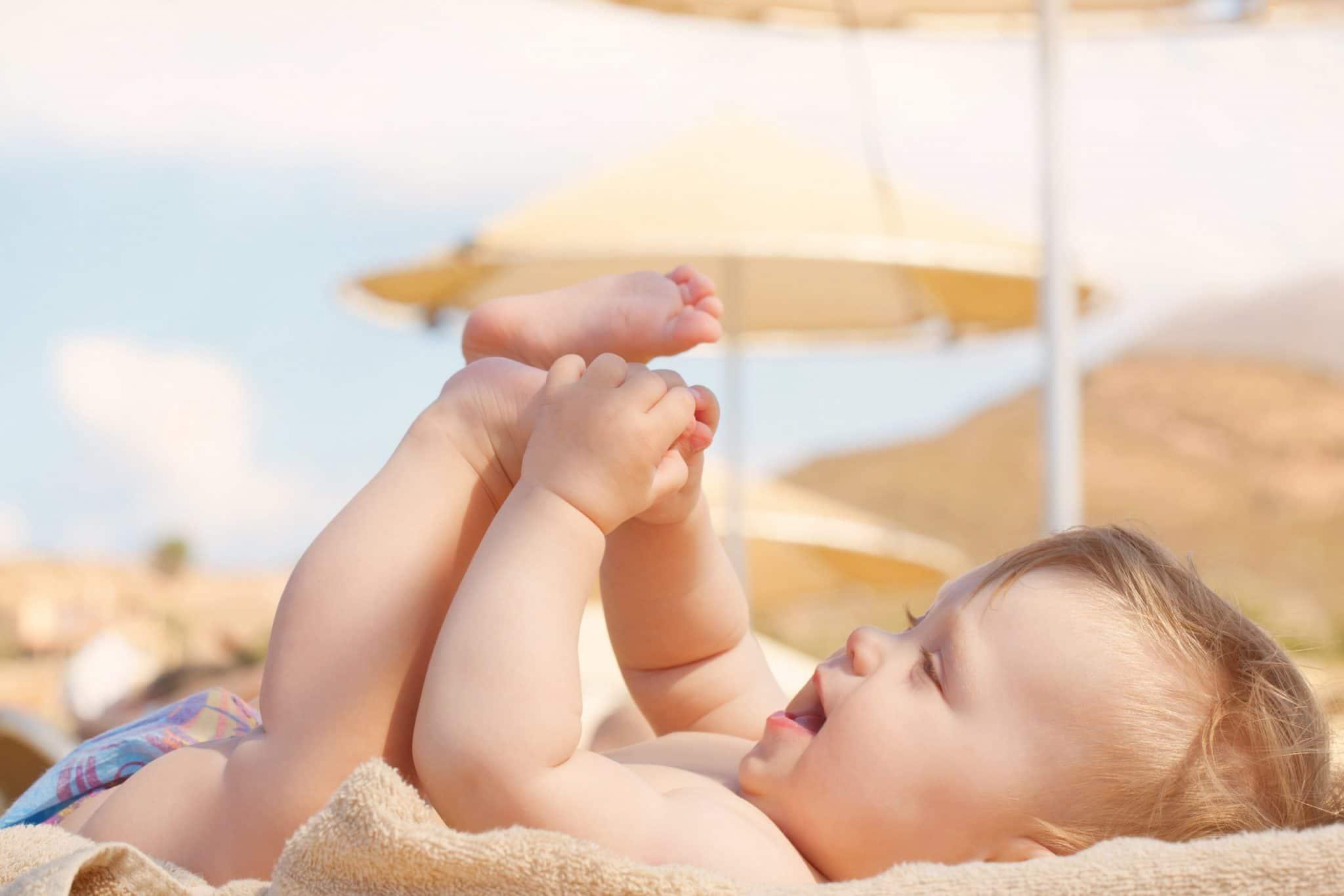 Bebekler ve Çocuklar İçin Doğru Güneş Koruyucu Kremi Nasıl Seçilir?