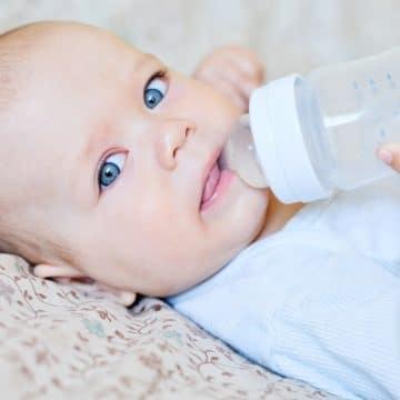 Yenidoğan Bebeklere Su Verilir Mi?